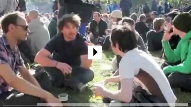 Zum Video: Ramblings of Dancing Rebels in Berlin