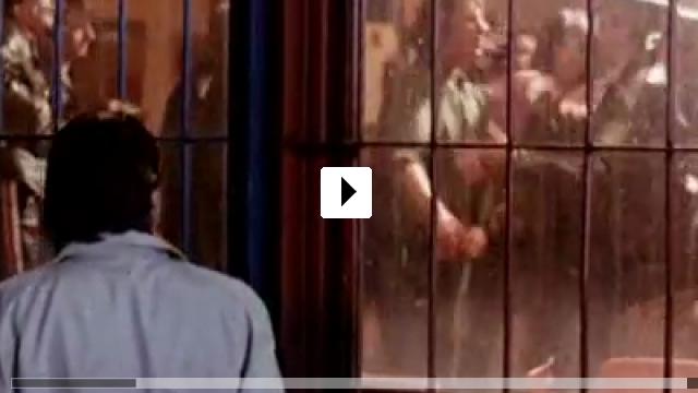 Zum Video: Messer im Kopf