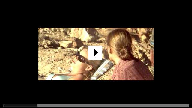 Zum Video: The Hills Have Eyes - Hügel der blutigen Augen