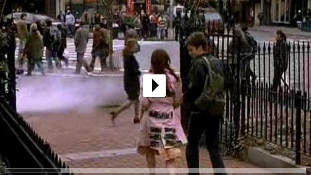 Zum Video: Zum Glück geküsst