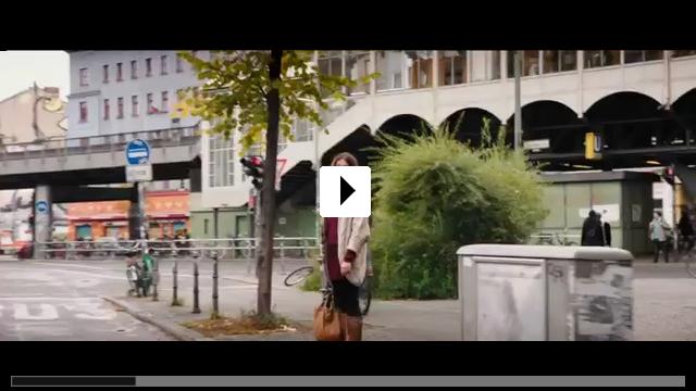 Zum Video: Frau Ella