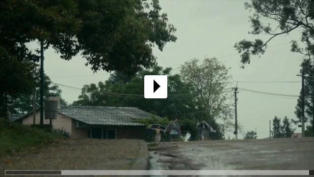 Zum Video: Tanta agua - Nichts als Regen