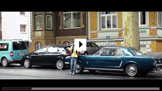 Zum Video: Der fast perfekte Mann