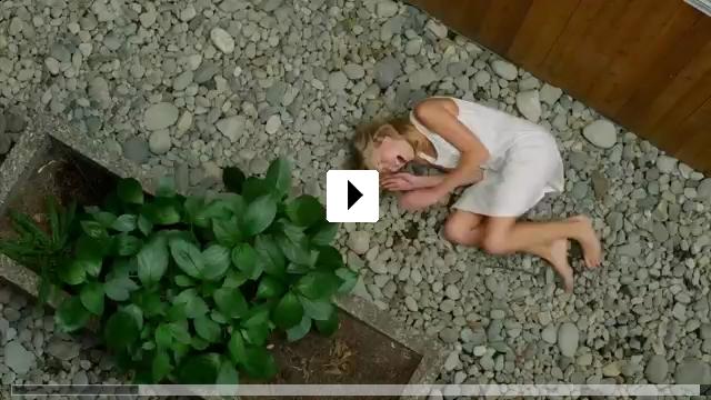 Zum Video: Embrace of the Vampire