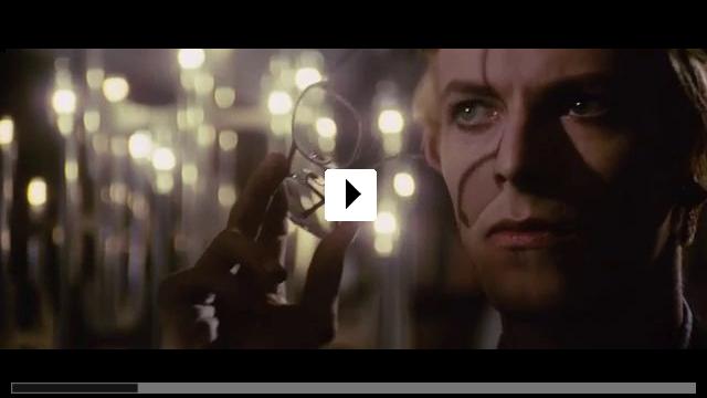 Zum Video: Der Mann, der vom Himmel fiel