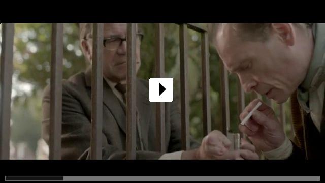 Zum Video: Im Labyrinth des Schweigens