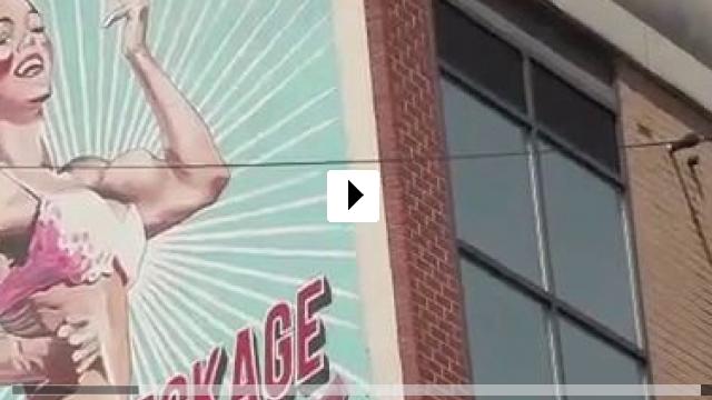 Zum Video: Born Naked