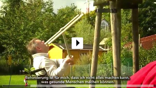 Zum Video: Nachbarn rollen vorüber