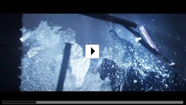 Zum Video: Everly - Die Waffen einer Frau