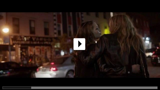 Zum Video: Lily & Kat