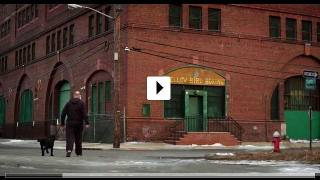 Zum Video: Glass Chin