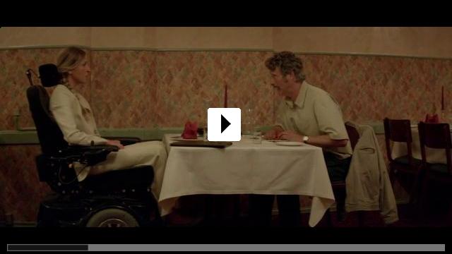 Zum Video: Men & Chicken
