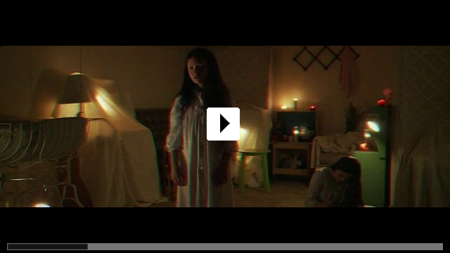 Zum Video: Paranormal Activity: Ghost Dimension