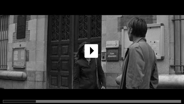 Zum Video: Im Schatten der Frauen