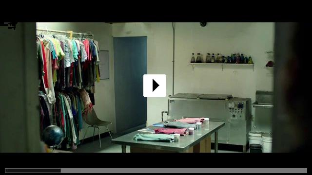 Zum Video: Lights Out