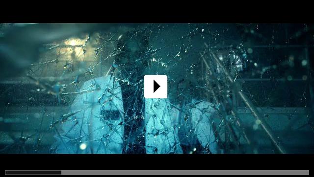 Zum Video: Max Steel