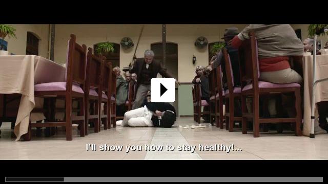 Zum Video: Un Padre No Tan Padre