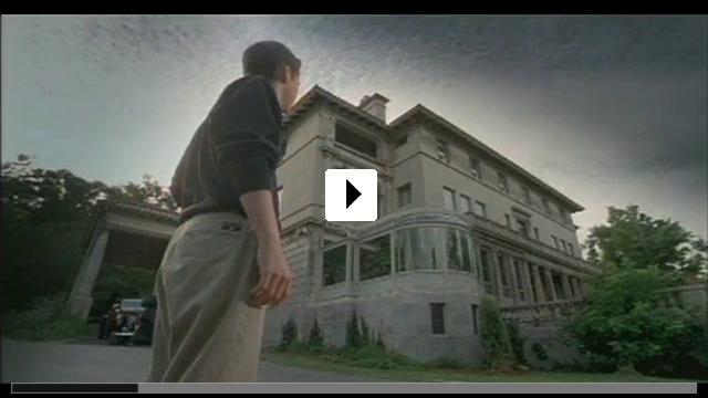 Zum Video: Ein Geist kommt selten allein