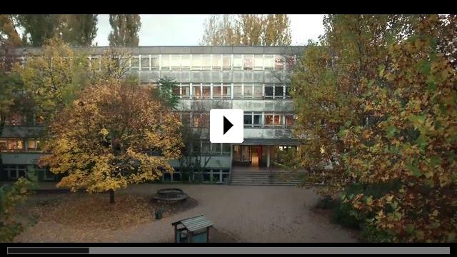 Zum Video: Zwischen den Stühlen