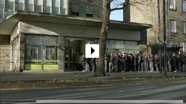 Zum Video: The Job Lot - Das Jobcenter