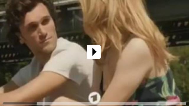 Zum Video: Eine Sommerliebe zu Dritt