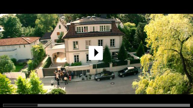 Zum Video: Unter deutschen Betten