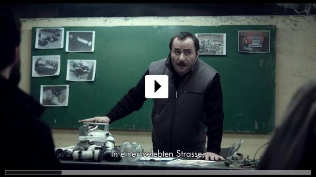 Zum Video: Abluka - Jeder misstraut jedem