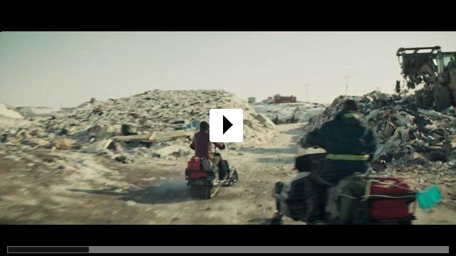 Zum Video: Rendezvous mit einem Eisbär