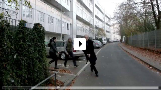 Zum Video: Blutadler