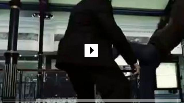Zum Video: Wake of Death - Rache ist alles, was ihm blieb