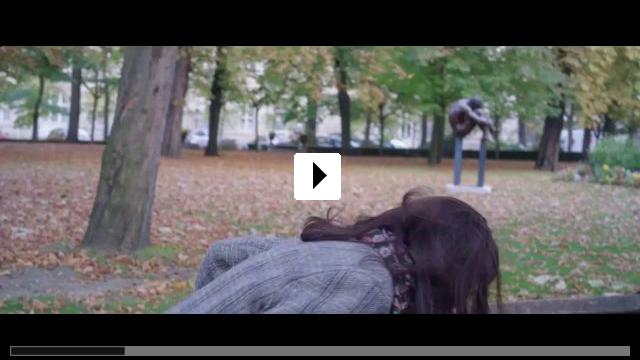 Zum Video: Die Lebenden reparieren