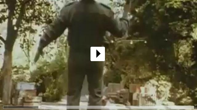 Zum Video: Hot Shots! Der 2. Versuch