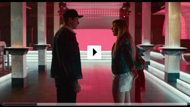 Zum Video: Zwei im falschen Film