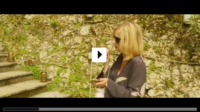 Zum Video: Champagner & Macarons - Ein unvergessliches Gartenfest