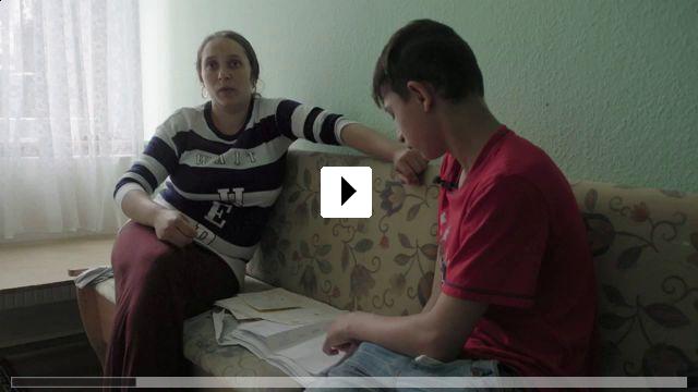 Zum Video: Lucica und ihre Kinder