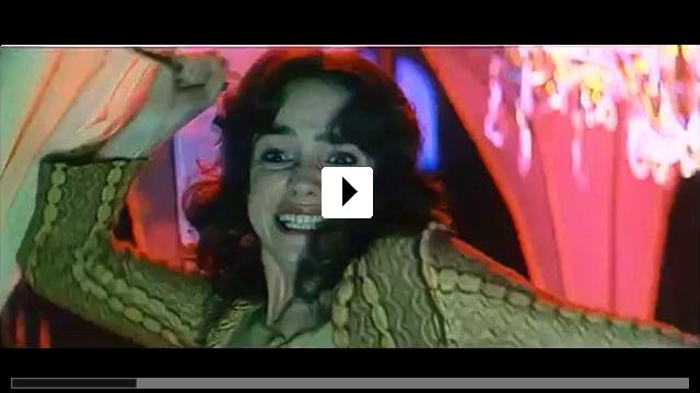 Zum Video: Suspiria: In den Krallen des Bösen