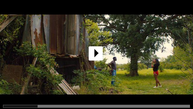 Zum Video: The Photograph