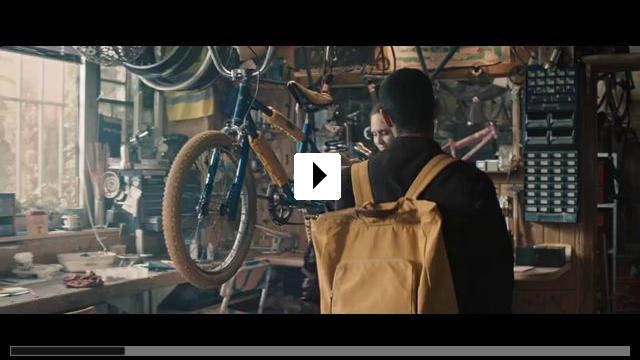 Zum Video: Nur ein Augenblick