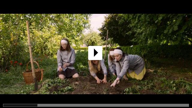 Zum Video: Die perfekte Ehefrau