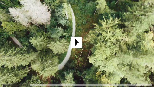 Zum Video: So weit - Ein Fahrrad, eine Gitarre und 1400 KM Neuanfang