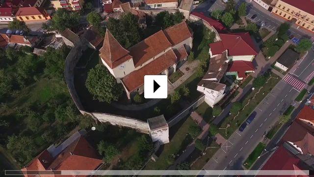 Zum Video: Sehnsucht nach einer unbekannten Heimat