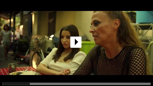 Zum Video: Small World