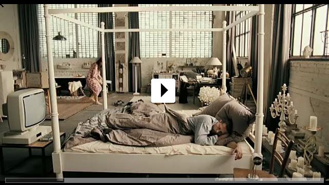 Zum Video: Zweiohrküken
