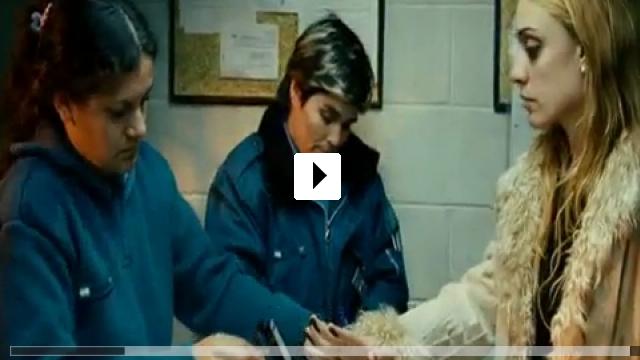 Zum Video: Löwenkäfig