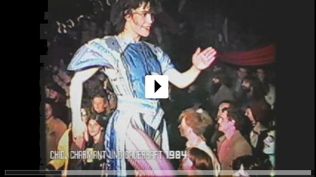Zum Video: Ein Traum in Erdbeerfolie - Comrade Couture