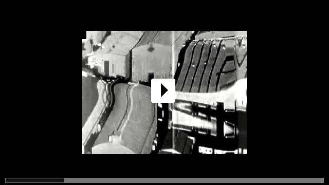 Zum Video: Der die Tollkirsche ausgräbt