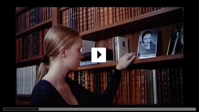 Zum Video: Das Mädchen, das die Seiten umblättert