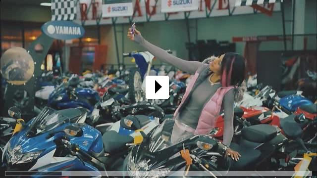 Zum Video: Auf Kuschelkurs - All inclusive