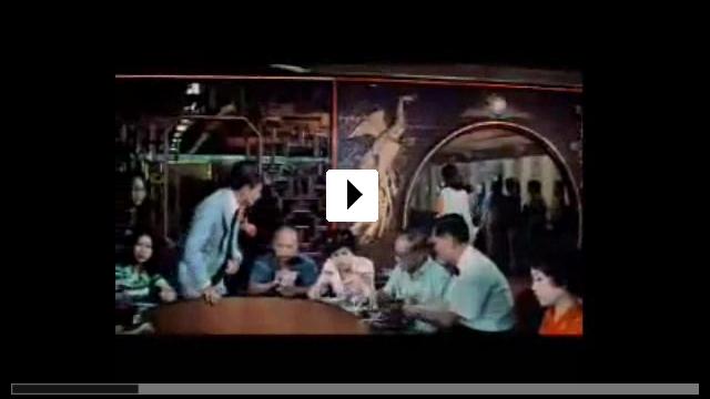 Zum Video: Der Mann mit dem goldenen Colt