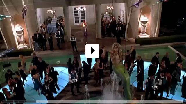 Zum Video: Tuxedo - Gefahr im Anzug